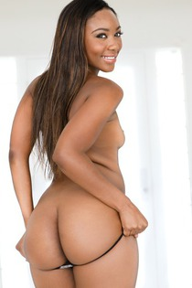 Chanell Heart Dirty Ebony Bitch Gives A Hot Blowjob-04
