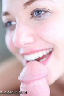 18yo Alaskan Babe Samatha Loves To Swallow Cum-15