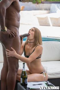 Petite Slut Kristen Lee And The Monster Black Cock-04