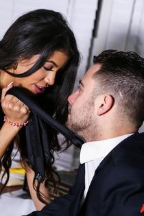 Veronica Rodriguez Latina Slut Gets Fucked Hard-01