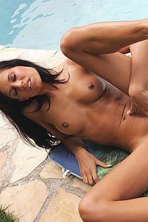 Nasty naked brunette enjoy sunbathe-05