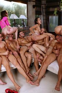 Samia Duarte Valentina Nappi Samantha Bentley In Big Group Sex-02