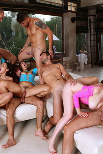 Samia Duarte Valentina Nappi Samantha Bentley In Big Group Sex-09