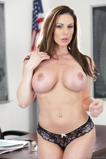 Huge Boobed Kendra Lust Gets Fucked Hard-02