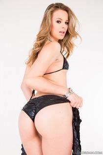 Jillian Janson Sucks Four Big Cocks-11