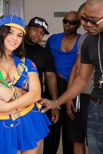 Keisha Grey In An Interracial Gang Bang-02