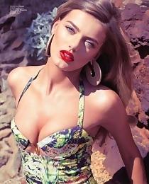 Bombshell Bregje Heinen hot bikini