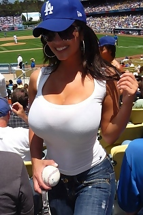 Super Busty Amateurs