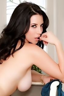 Jelena Jensen Makes You