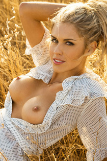 Kayla Rae Reid Stripping In The Nature