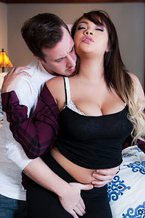 Free Porn With Busty Cassidy Banks
