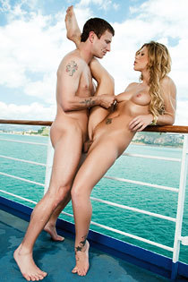 Brooklyn Lee Gets Public Fucked On The Boat