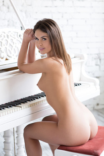 Victory Nude By The Piano-18